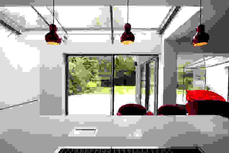 Kewferry Drive Modern windows & doors by IQ Glass UK Modern