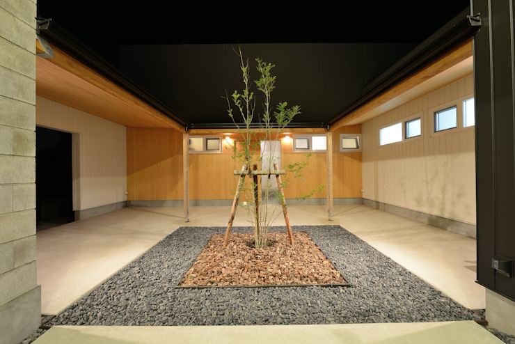 『Tatsuhiro Base』 株式会社 竜廣設計 モダンスタイルの 玄関&廊下&階段