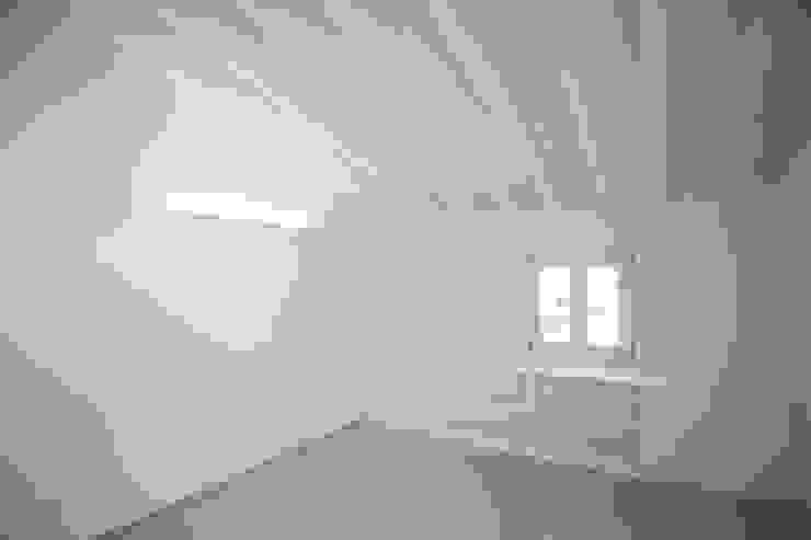 Penthouse HT Palma Dormitorios de estilo minimalista de ISLABAU constructora Minimalista