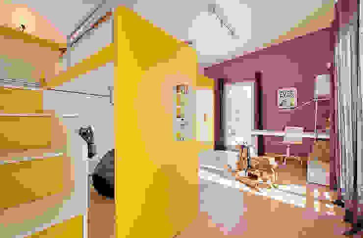 LUXHAUS Musterhaus Georgensgmünd Moderne Kinderzimmer von Lopez-Fotodesign Modern
