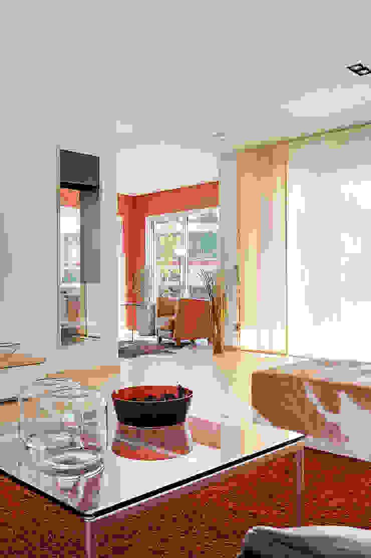 LUXHAUS Musterhaus Georgensgmünd Moderne Wohnzimmer von Lopez-Fotodesign Modern