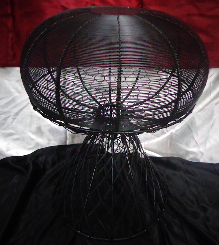 Dome Shaped Iron Wire Stool: modern  by Overseas Trading Corporation,Modern Iron/Steel