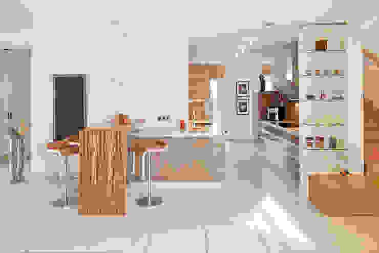 LUXHAUS Musterhaus Georgensgmünd Moderne Küchen von Lopez-Fotodesign Modern