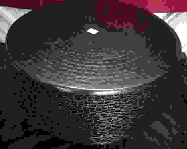 Iron Interlocked Chain Table: modern  by Overseas Trading Corporation,Modern Iron/Steel