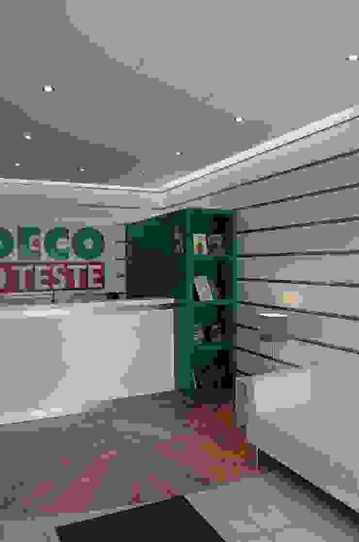 Hall de entrada - DEPOIS por Critério Arquitectos by Canteiro de Sousa