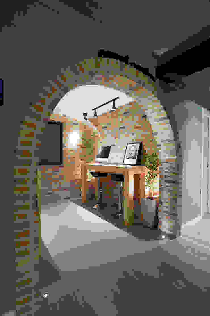 RESIDÊNCIA STEVAN Escritórios modernos por felipe torelli arquitetura e design Moderno Tijolo