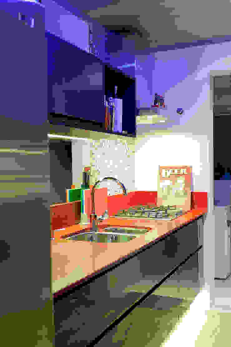 RESIDÊNCIA STEVAN Cozinhas modernas por felipe torelli arquitetura e design Moderno Quartzo