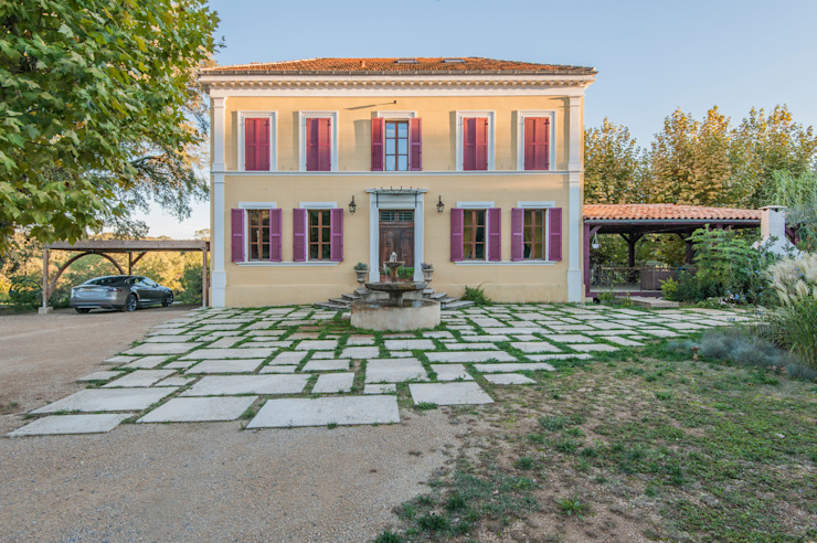 Mediterranean style house by goodnova godiniaux Mediterranean