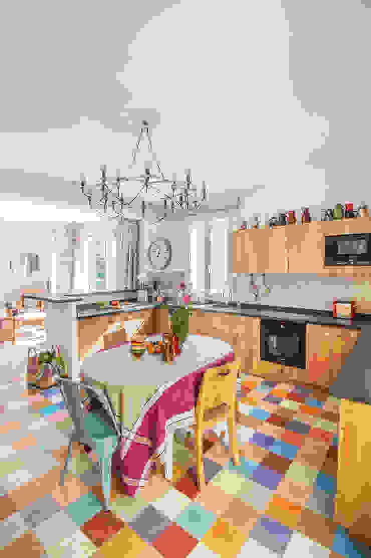 地中海デザインの キッチン の goodnova godiniaux 地中海
