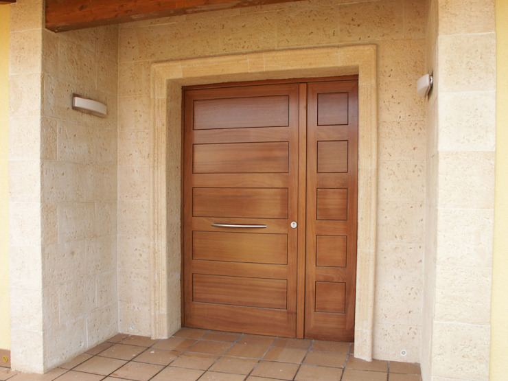Mediterranean style windows & doors. by RIBA MASSANELL S.L. Mediterranean Wood Wood effect