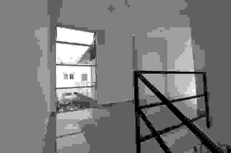 Alzatto Arquitectos Balcones y terrazas modernos