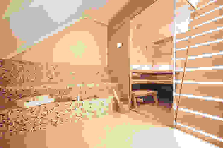 Dachgeschosswohnung Klassischer Spa von Cordier Innenarchitektur Klassisch