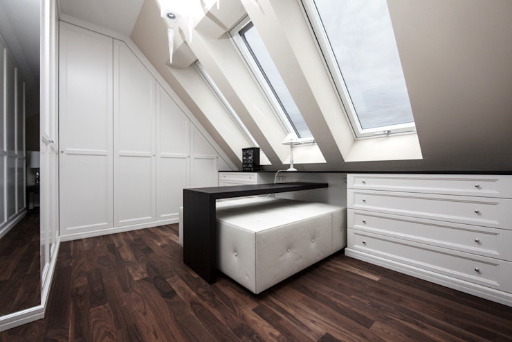 Dachgeschosswohnung Klassische Ankleidezimmer von Cordier Innenarchitektur Klassisch