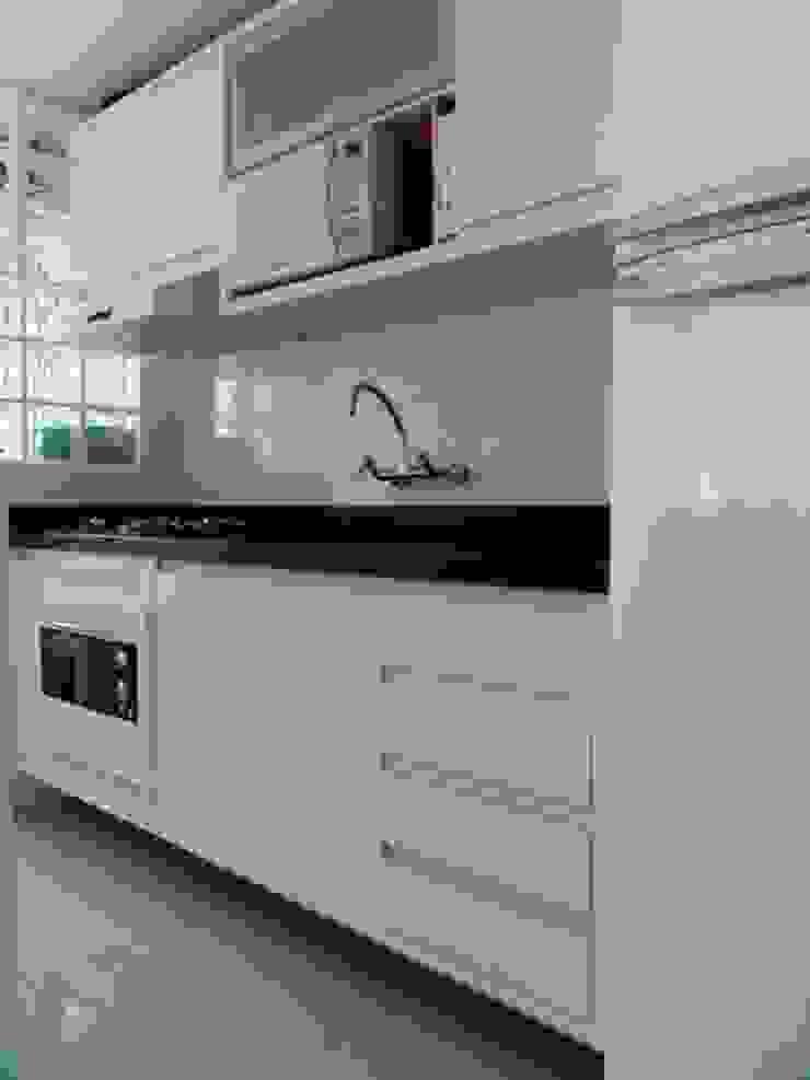 cozinha compacta Cozinhas minimalistas por ANE DE CONTO arq. + interiores Minimalista