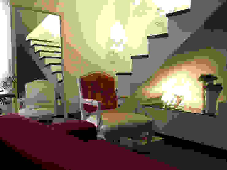 """LUZ/SOMBRA - """"Loft concept"""" Salas de estar modernas por IVOMAIA [DESIGNERS] Moderno"""