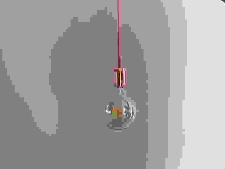 Koper & Handgemaakt Hanglamp Copper: modern  door byCoco Designstudio, Modern