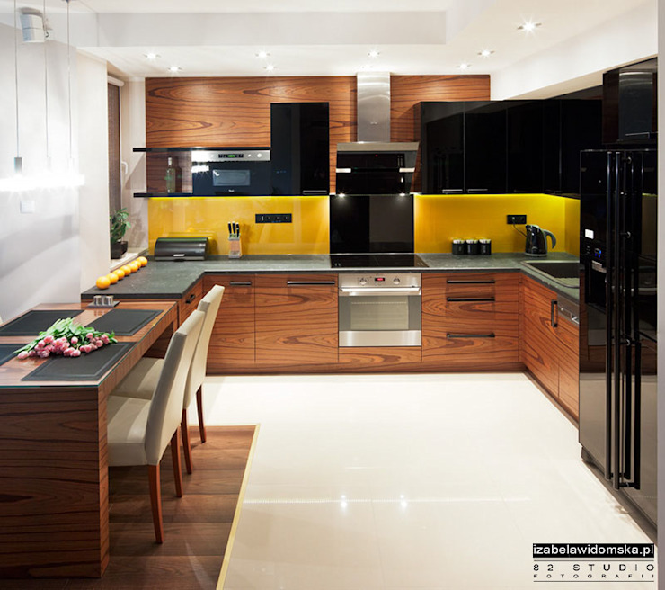 Modern kitchen by Izabela Widomska Interiors Modern