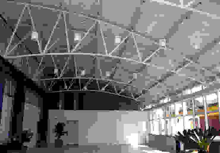 Imagem interna Locais de eventos modernos por Douglas Piccolo Arquitetura e Planejamento Visual LTDA. Moderno