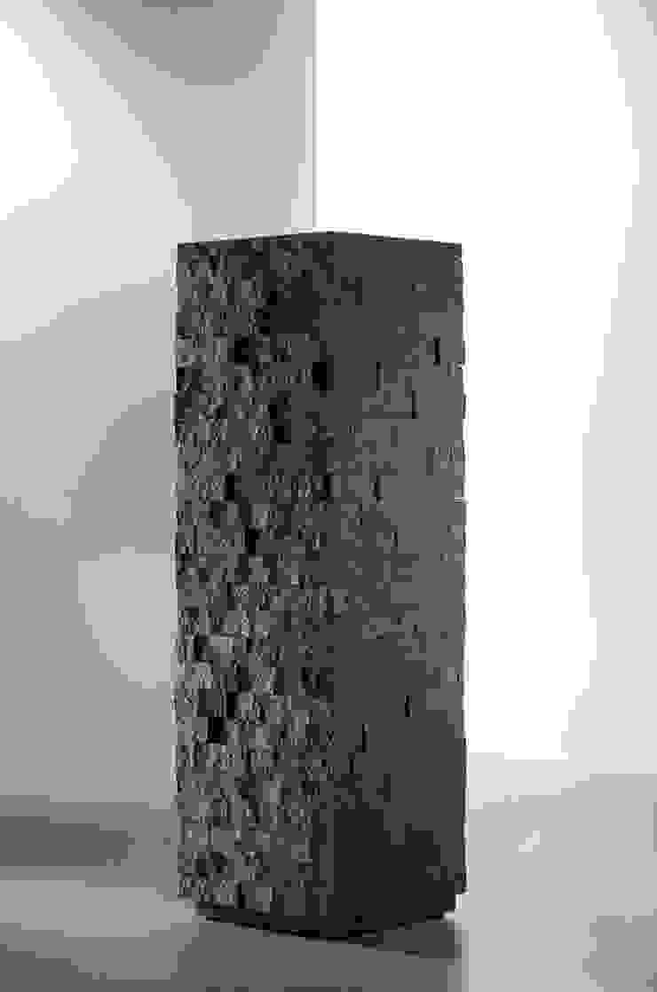 Mirko Danckwerts Möbelgestaltung Living roomCupboards & sideboards Engineered Wood Black