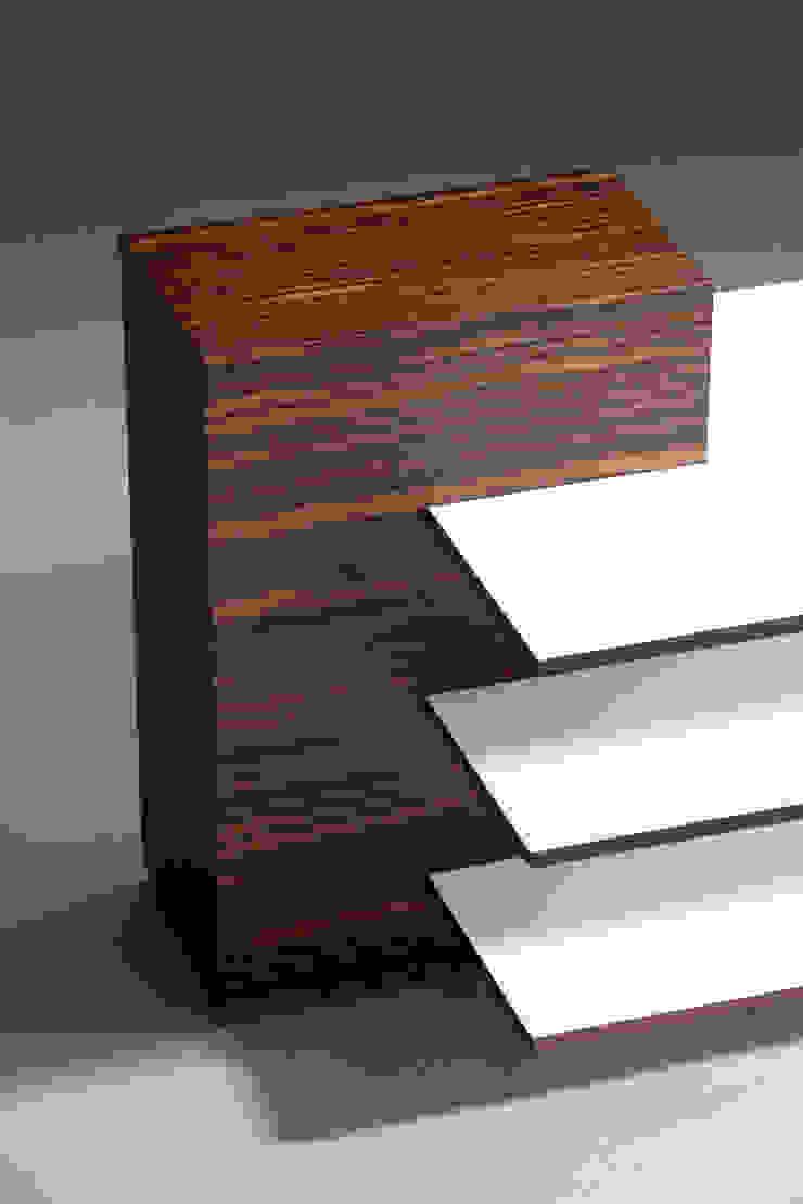 Mirko Danckwerts Möbelgestaltung Living roomSide tables & trays