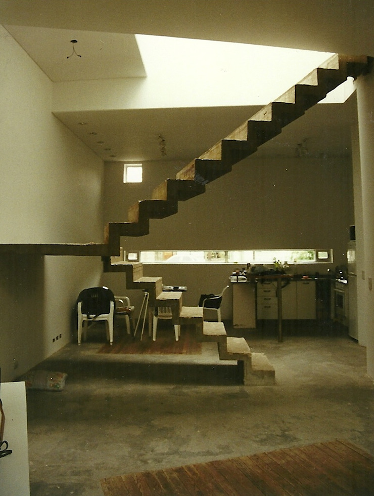 by Arquitecto Oscar Alvarez Сучасний