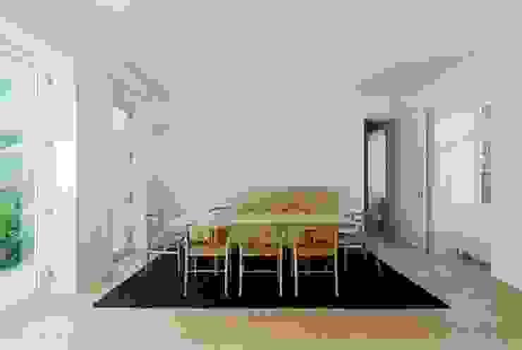 bAse arquitetura Comedores de estilo moderno