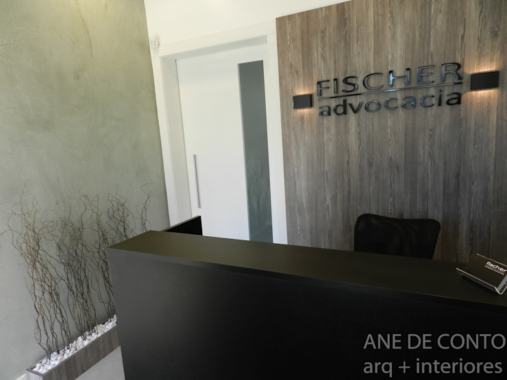 Recepção Espaços comerciais minimalistas por ANE DE CONTO arq. + interiores Minimalista