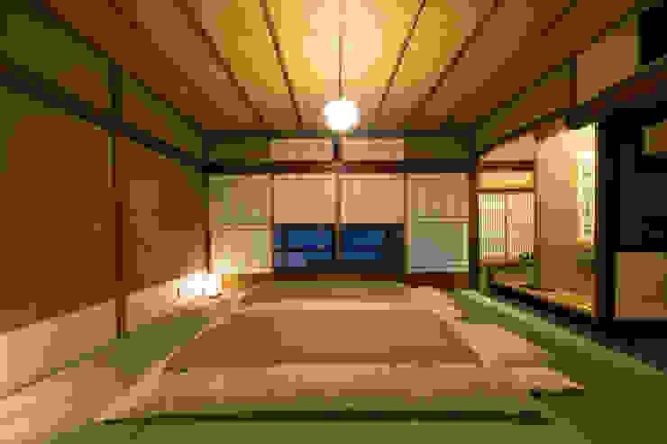 布団(Japanese Bedding / Futon) クラシカルなホテル の 株式会社高岡 クラシック テキスタイル アンバー/ゴールド