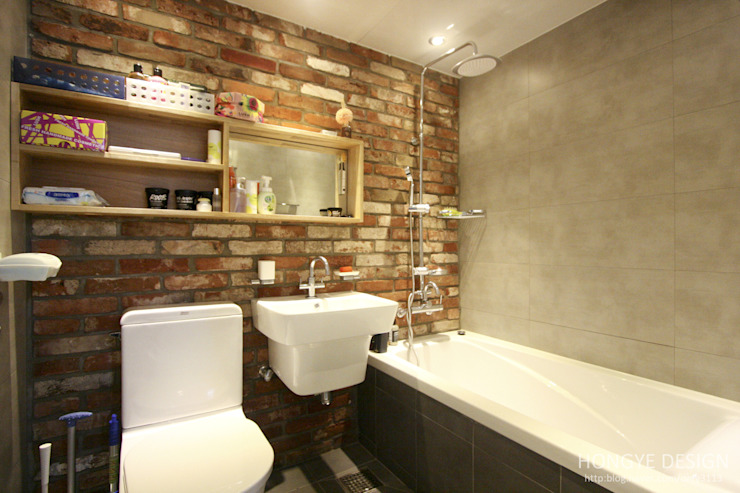 홍예디자인 Modern style bathrooms