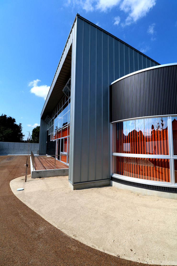 外観 モダンな医療機関 の 設計工房 A・D・FACTORY 一級建築士事務所 モダン 鉄/鋼