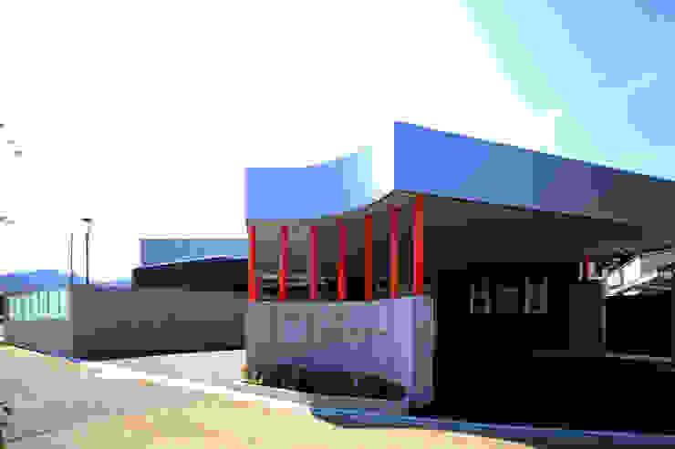アプローチ・車寄 モダンな医療機関 の 設計工房 A・D・FACTORY 一級建築士事務所 モダン 鉄/鋼