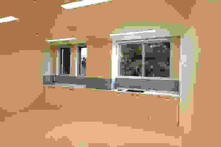 診察室 モダンな医療機関 の 設計工房 A・D・FACTORY 一級建築士事務所 モダン タイル