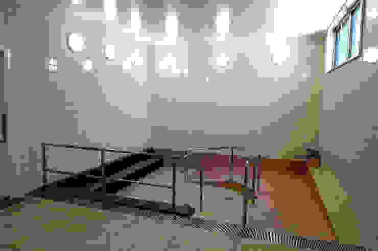 大浴槽 モダンな医療機関 の 設計工房 A・D・FACTORY 一級建築士事務所 モダン タイル