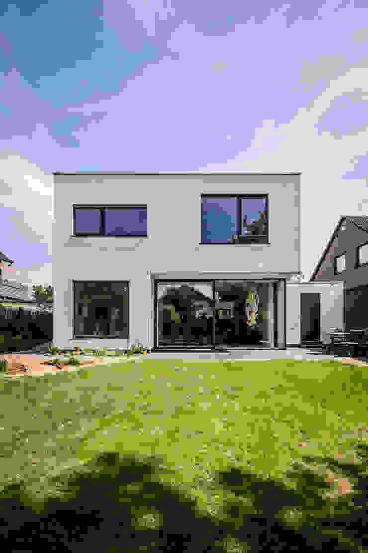 Casas modernas por Corneille Uedingslohmann Architekten Moderno
