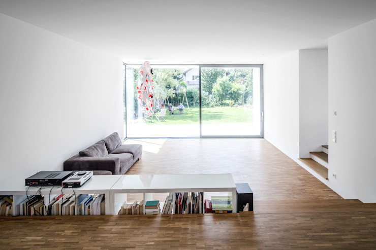 Living room by Corneille Uedingslohmann Architekten, Modern