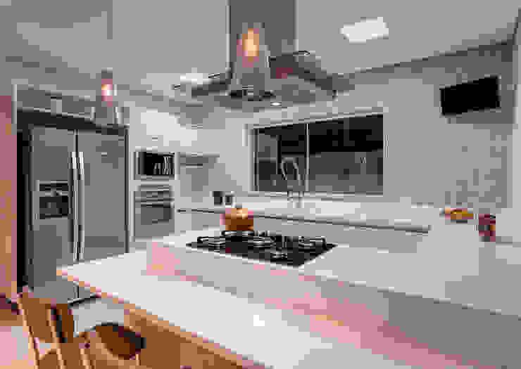 Projeto residencial Cozinhas modernas por Carla Mateuzzo Moderno