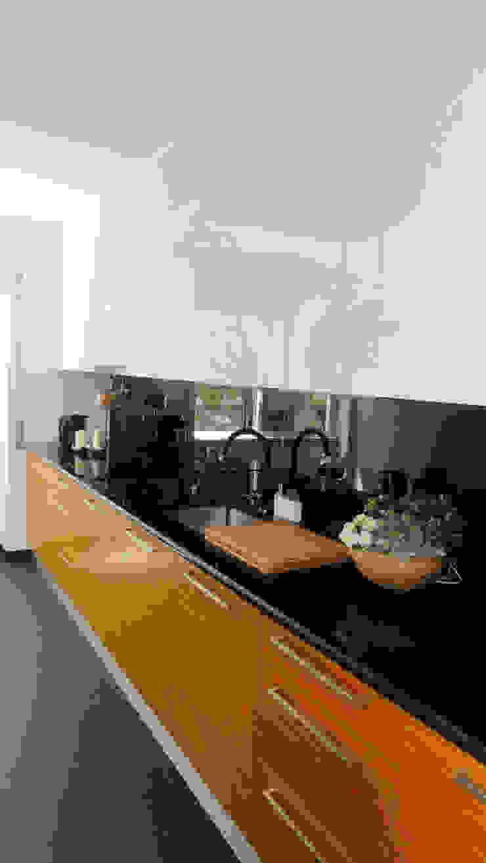 Casa da Tapada Cozinhas modernas por ARQAMA - Arquitetura e Design Lda Moderno