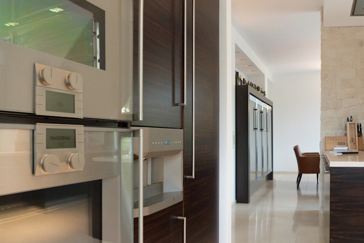 beyond REAL ESTATE 現代廚房設計點子、靈感&圖片
