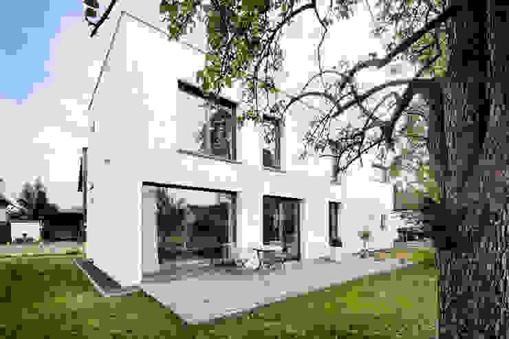 Terrazza in stile  di Corneille Uedingslohmann Architekten