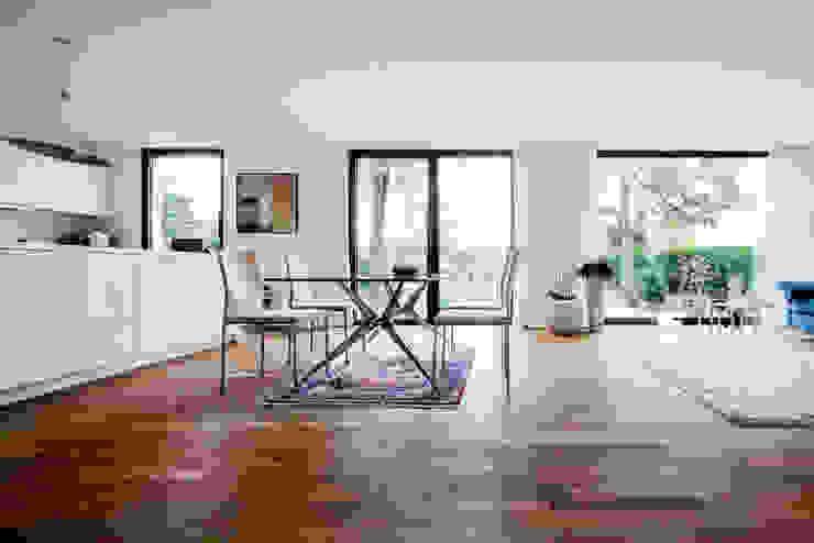 Projekty,  Jadalnia zaprojektowane przez Corneille Uedingslohmann Architekten, Nowoczesny