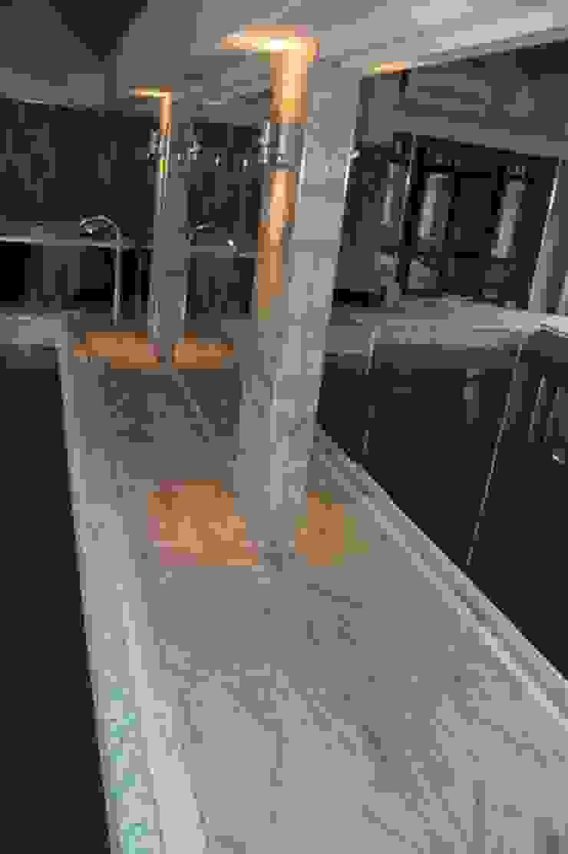 ReflectArt สระว่ายน้ำ