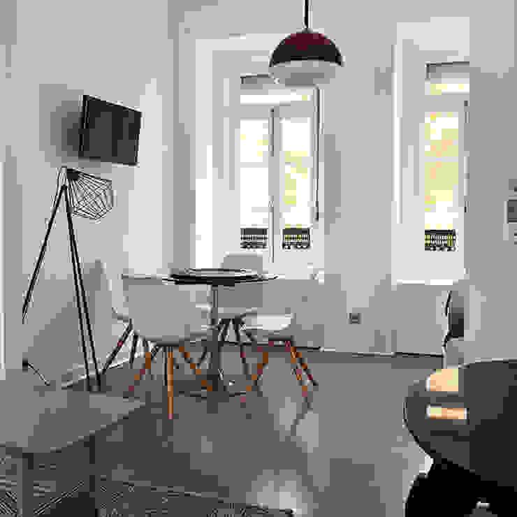 Recuperação de um apartamento Hotéis eclécticos por Atelier Autêntico Eclético