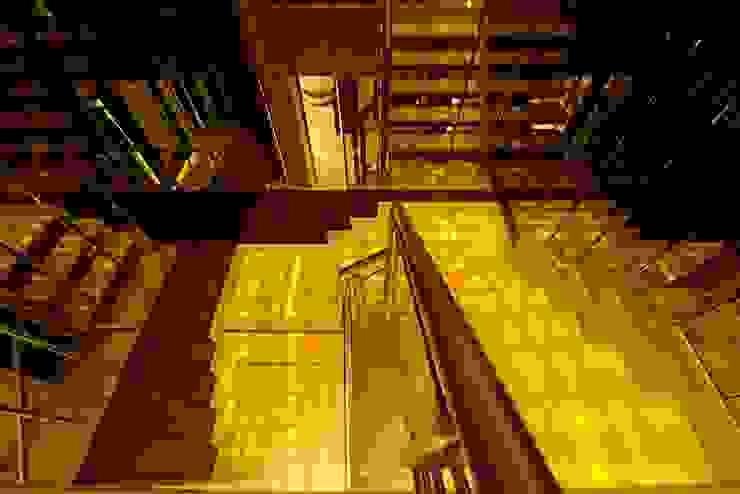 الممر الحديث، المدخل و الدرج من AIS Designs حداثي