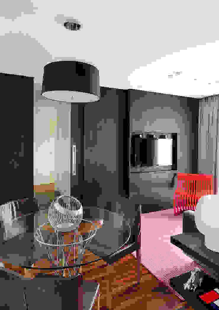minimalist style media rooms by Mario Catani - Arquitetura e Decoração Minimalist Wood Wood effect