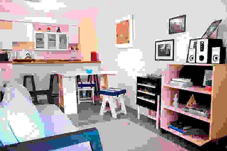 Sala de estar, sala de jantar e cozinha integradas:  industrial por Meu Móvel de Madeira,Industrial
