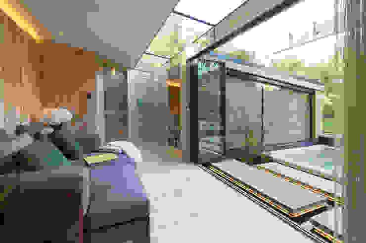 Folio Design | The Garden Room | Central Hub Folio Design Modern balcony, veranda & terrace