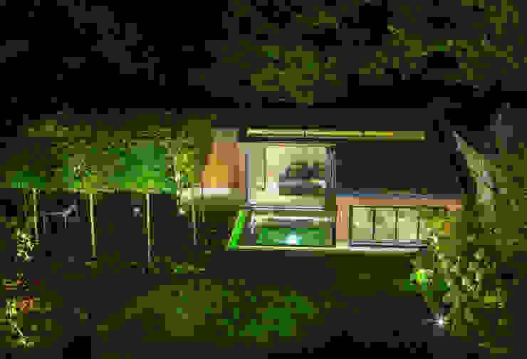 Folio Design | The Garden Room | Evening Exterior View Folio Design Modern houses Wood Green