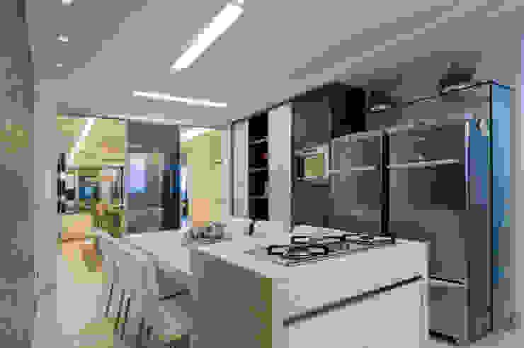 APto 160m Cozinhas clássicas por Allysandra Delmas - Arquitetura e Interiores Clássico