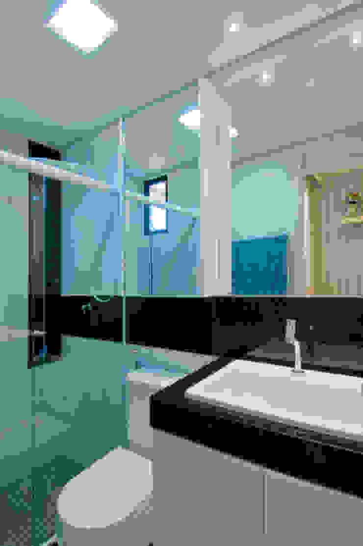 APto 160m Banheiros clássicos por Allysandra Delmas - Arquitetura e Interiores Clássico