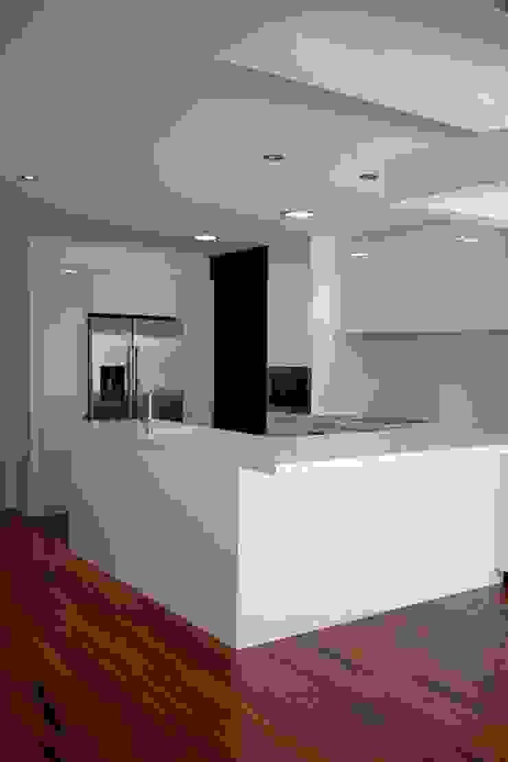 Apartamento Alvalade Cozinhas modernas por DRCF Arquitectos Moderno